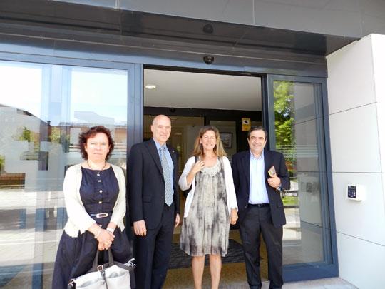 De izda. a dcha.: Maria Elena Lete, Iñaki Goirizelaia, Ana Oregi y Agustin Azkarate en la presentación de la cátedra.