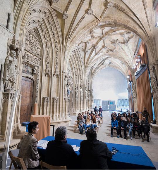 Celebración del acto de entrega en el pórtico de la Catedral de Santa María