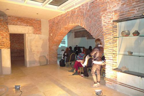 Lugar de cursado del Seminario de Arqueología. Dr. Javier García Iñañez impartiendo clases de arqueometría