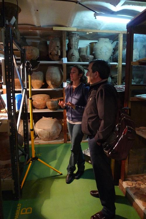 Agustín Azkarate con Ana Igareta en el Museo La Plata